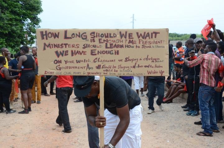 dumsor placard vigil